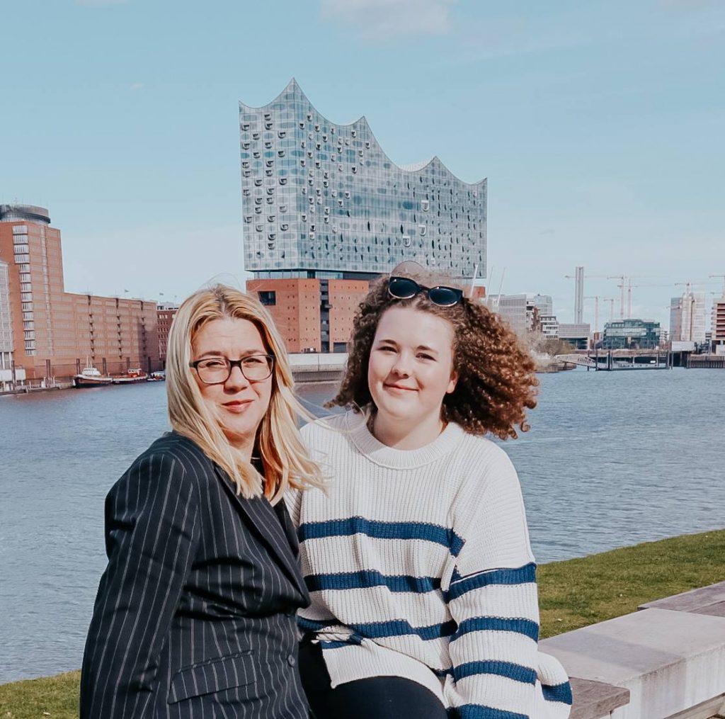 Hallo Mama Podcast Claudia und Antonia Schulz